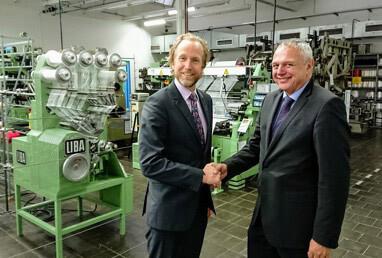 handshake Fraunhofer & HPS